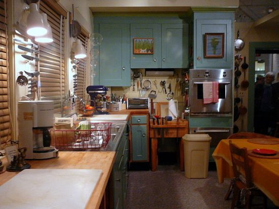 640px-julia_childs_kitchen_-_smithsonian