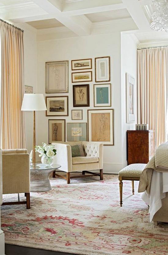 bedroom-gallery-wall
