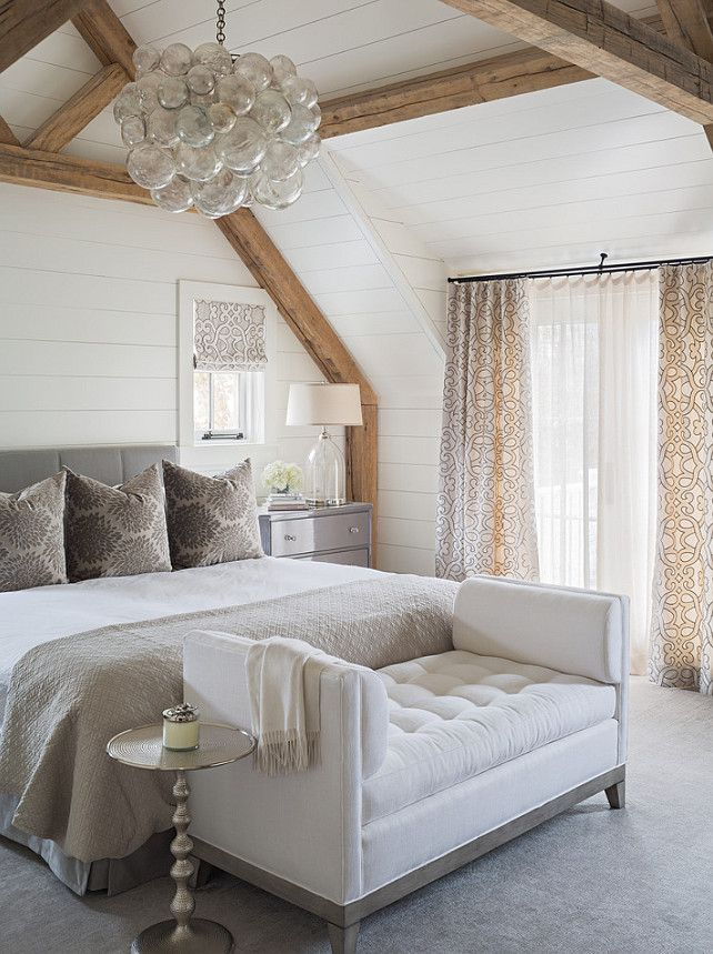 bench-at-end-of-bed