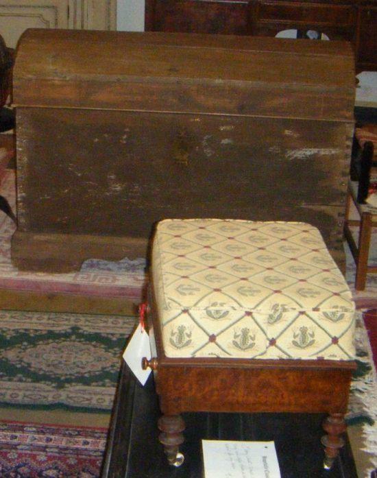 frog-footstool-fabric