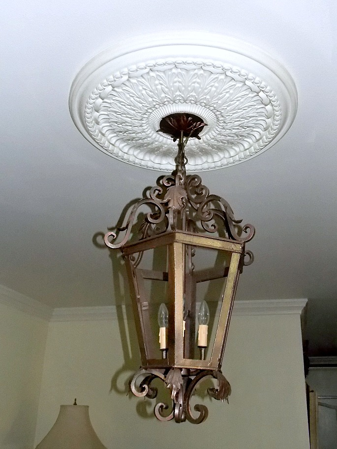 gold-lantern-fixture