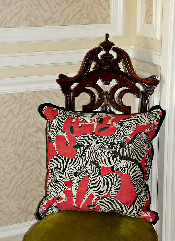 zebra-throw-pillow
