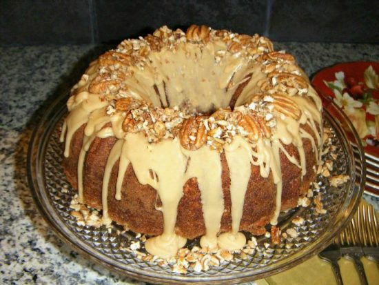 apple-nut-cake-pecans