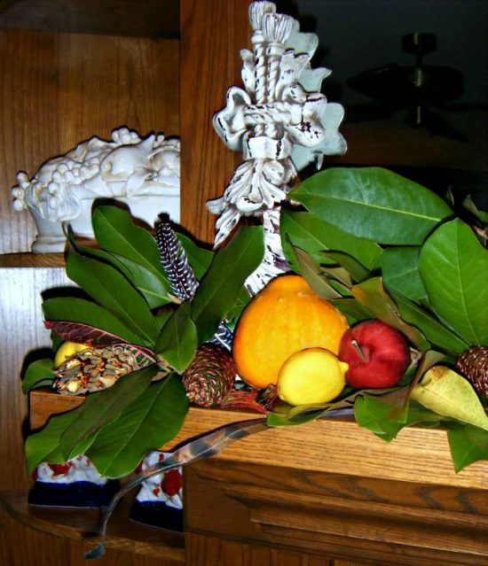 fall-mantel-magnolia-leaves-1