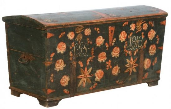 painted-antique-blanket-chest