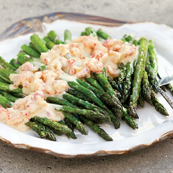 asparagus-with-crawfish-hollandaise