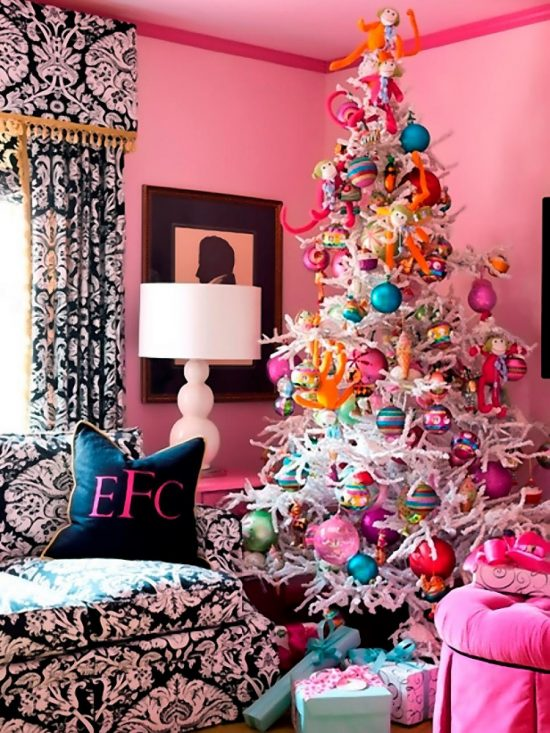 original_tobi-fairley-whimsical-pink-christmas-tree_s3x4-jpg-rend-hgtvcom-966-1288