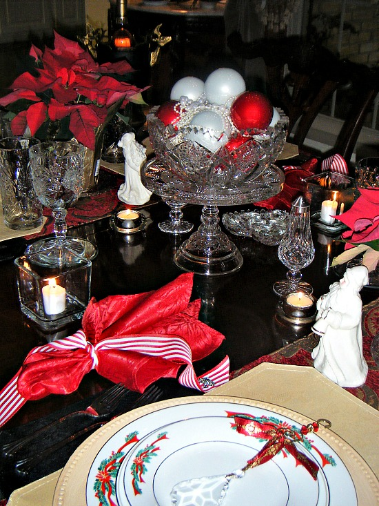holiday-table-red