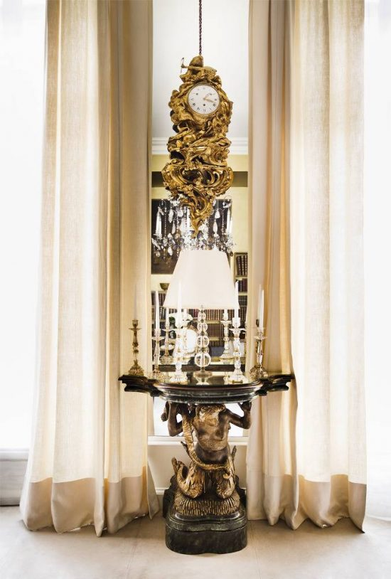 Chanel-apartment-clock
