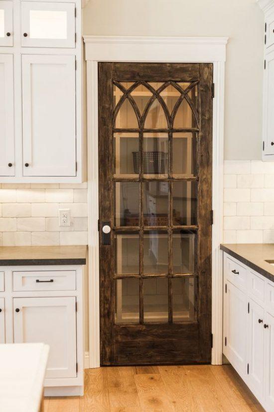 antique-door-pantry