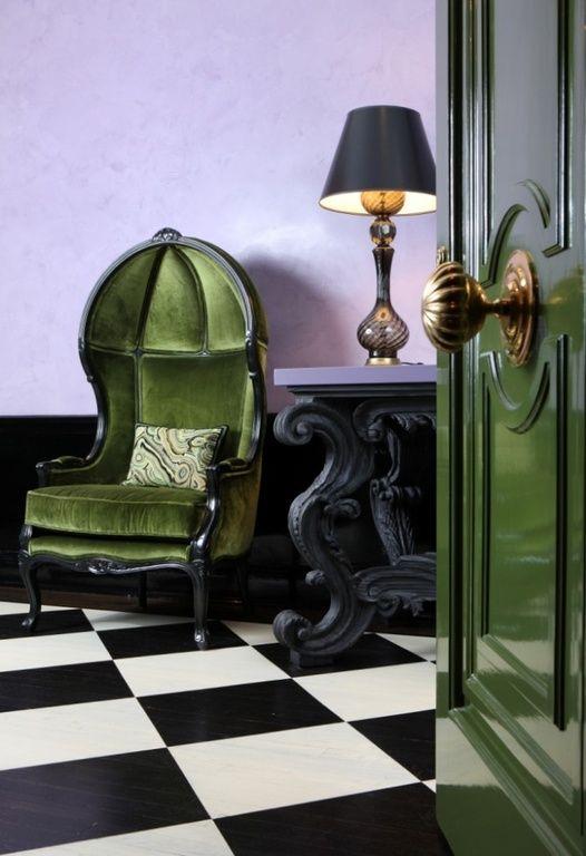 green-violet-foyer