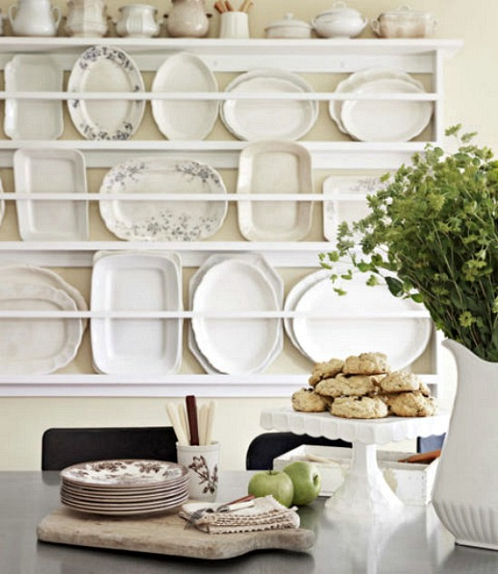 plate-rack-on-wall