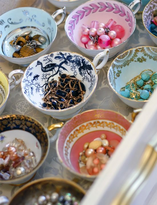tea-cups-storage