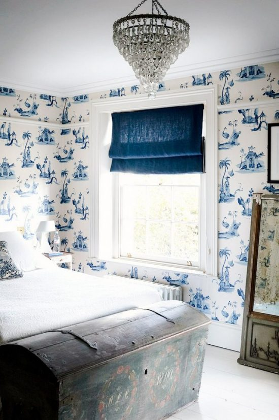 trunk-at-end-of-bed