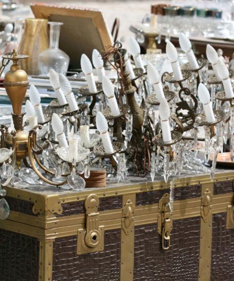 best-antique-shows-chandelier-flea-market-s3