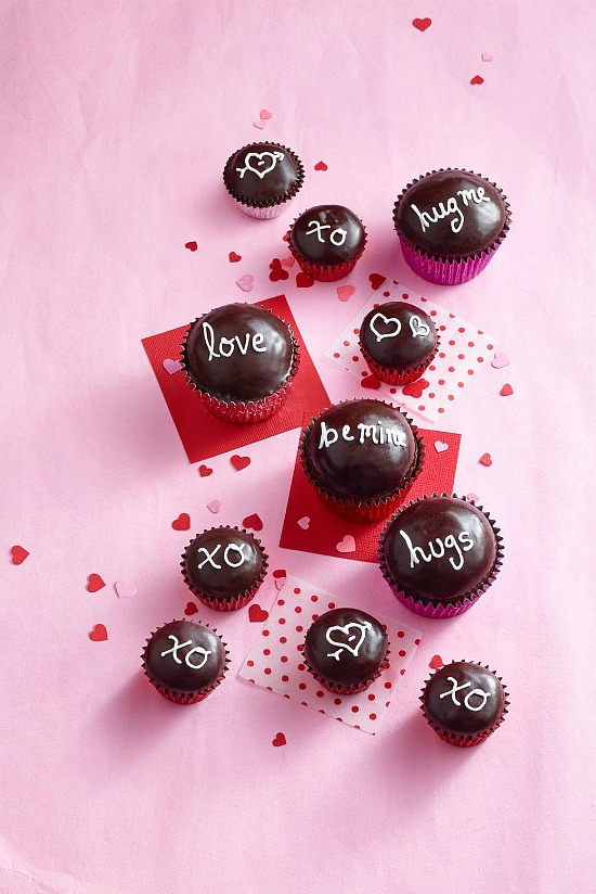 chocolate-sweetheart-cupcakes
