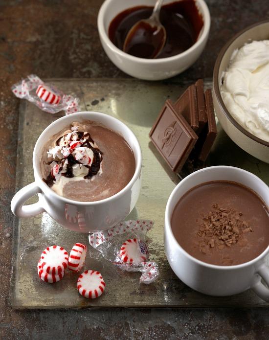 peppermint-hot-chocolate-Kritsada Panichgul