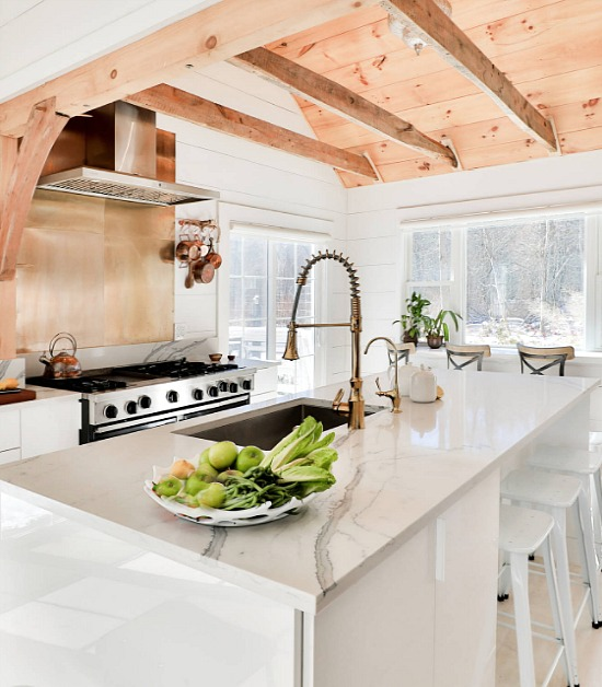 farmhouse-kitchen-copper-faucet