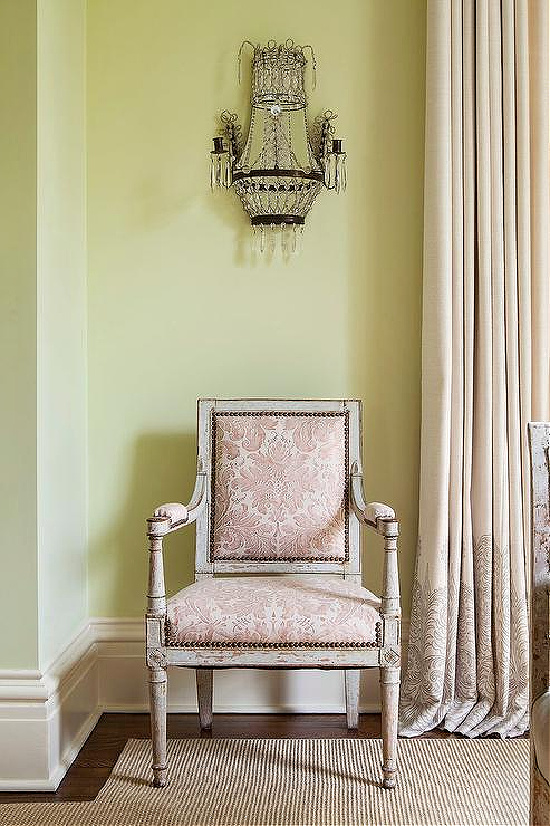 pink-flocked-french-chair