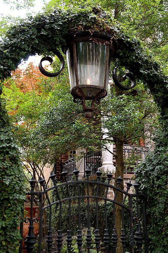 flame street lamp