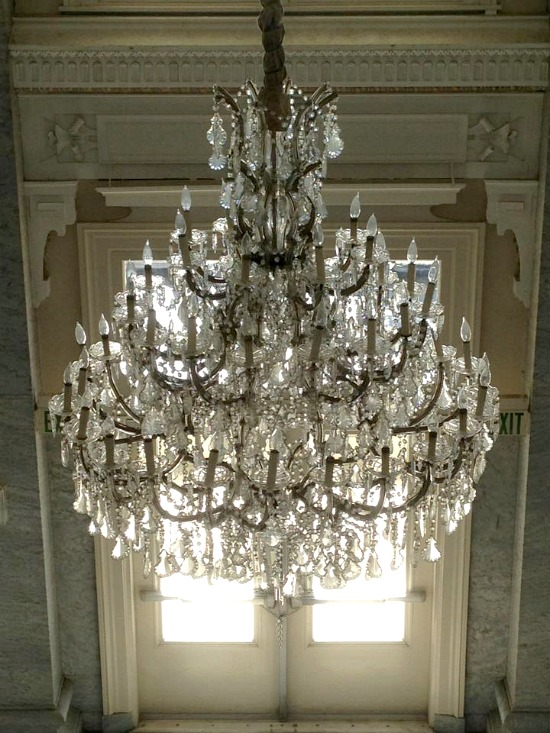 bentley-chandelier