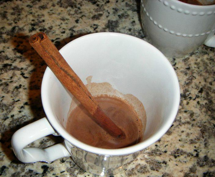 warm-chocolate-cinnamon-milk-vanilla-1