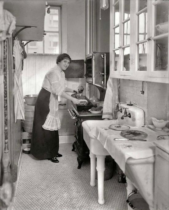 1910s-kitchen