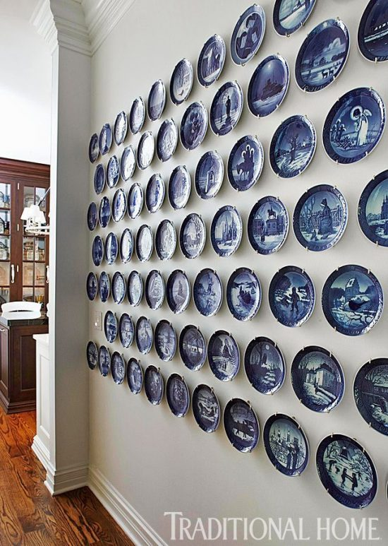 plates-blue-white-wall-display