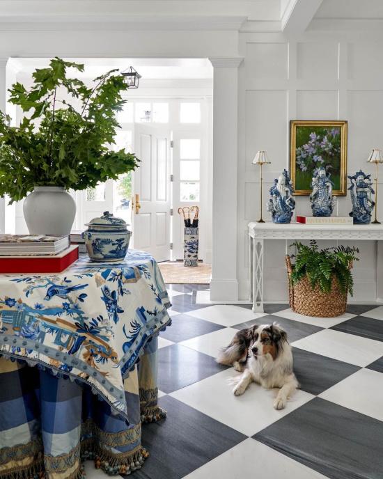 blue-white-decor-accents-Hillary-W-Taylor-Interiors-Brunschwig-Fils-Le-Lac