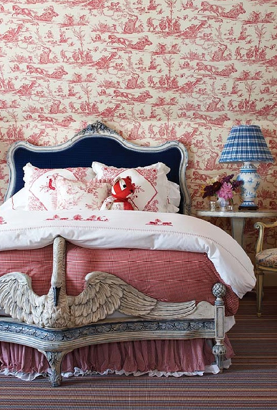 red-whtie-blue-bedroom-Wendy-Valliere-Interiors-New-England-Home-Magazine-Photography-by-Michael-Partenio