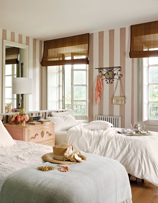 pink-brown-bedroom