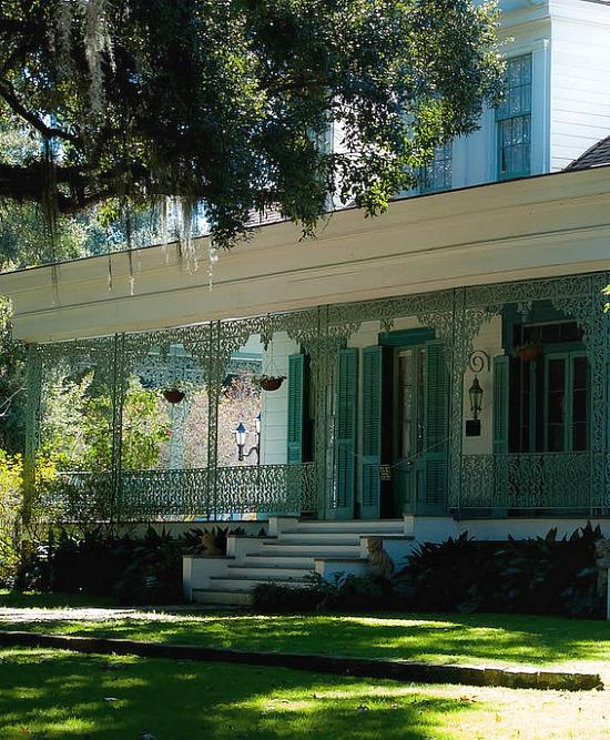 Myrtles-front-porch