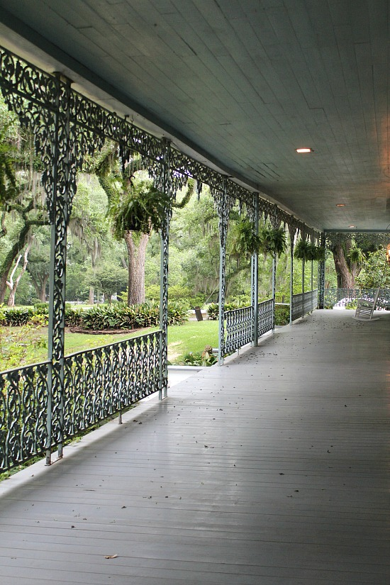 Myrtles-porch