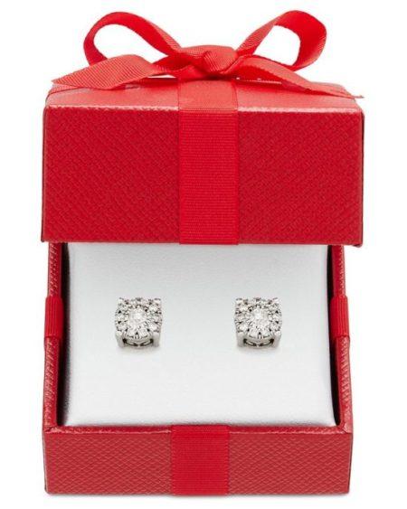 diamond studs earrings
