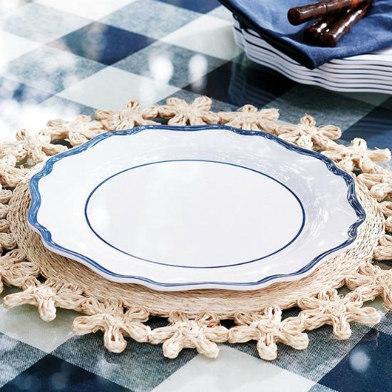 scalloped-melamine-dinner-plates