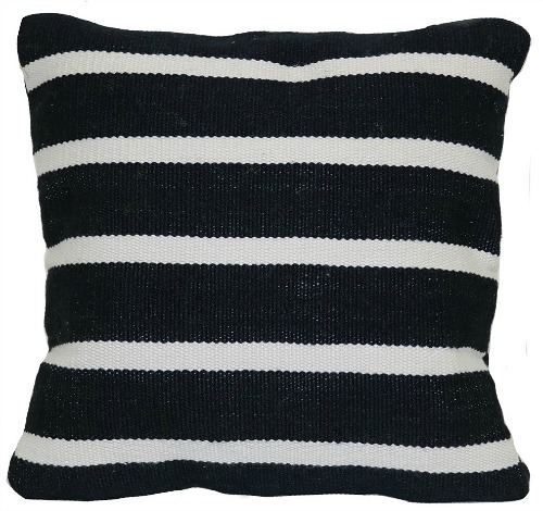 outdoor-throw-pillow-woven