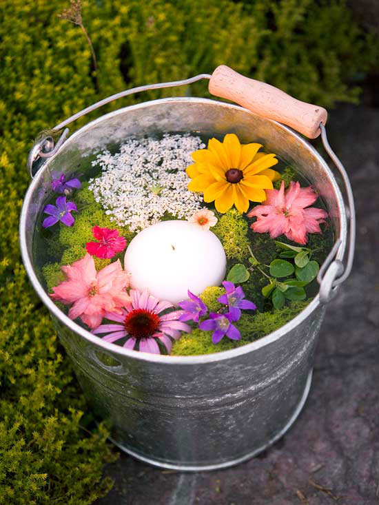 flowers-floating-candle-in-bucket