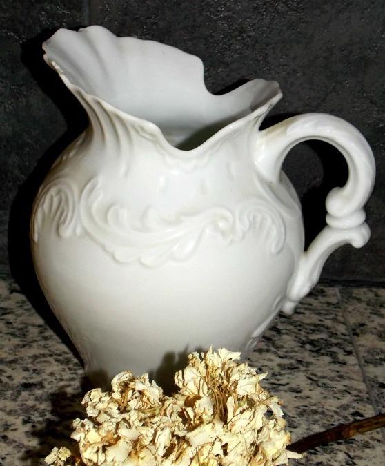 white-pitcher