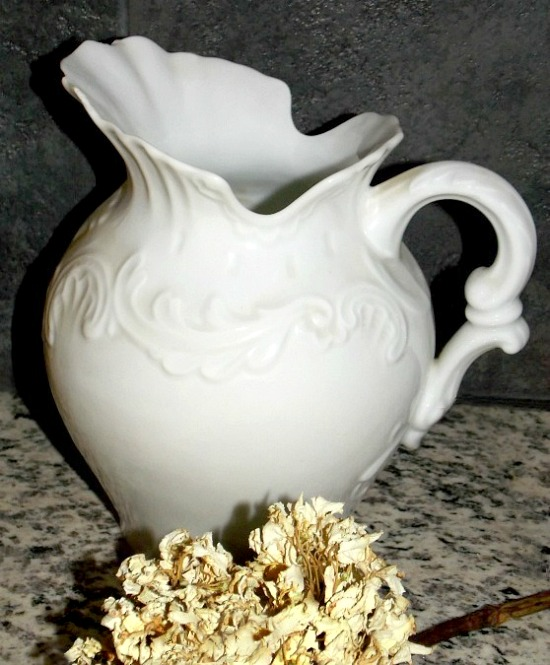 white-pitcher1