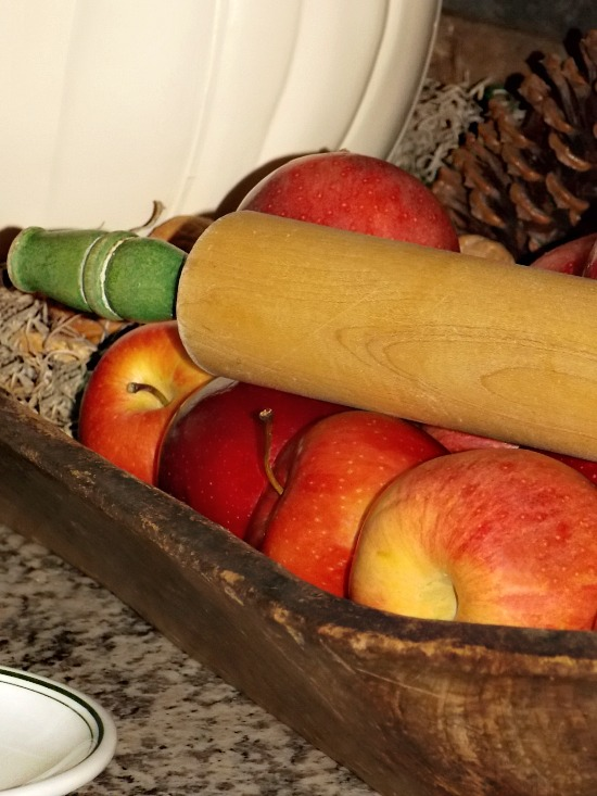 apples-in-wooden-dough-bowl