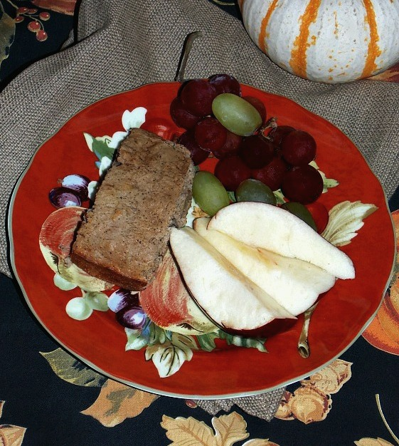 fall-fruit-plate-banana-bread