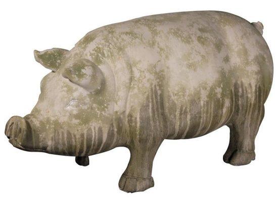 pig statue