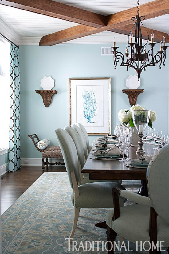 blue-brown-beach-house-dining-room
