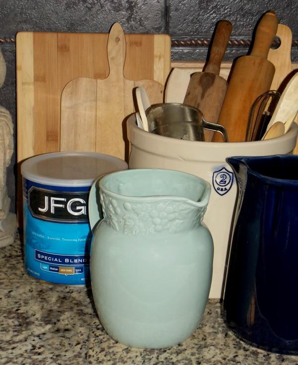 kitchen-utensils-storage-options