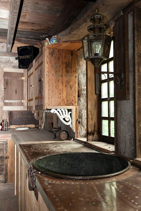 Braxton-Dixon-copper-sink