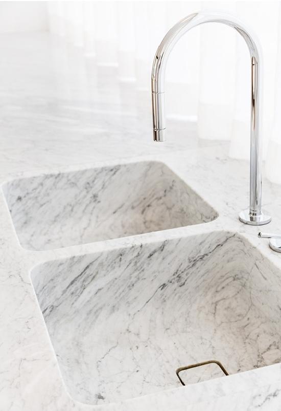 marble-sink-Il Granito