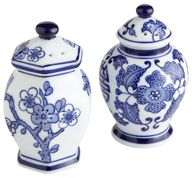 blue-white-salt-pepper-shakers