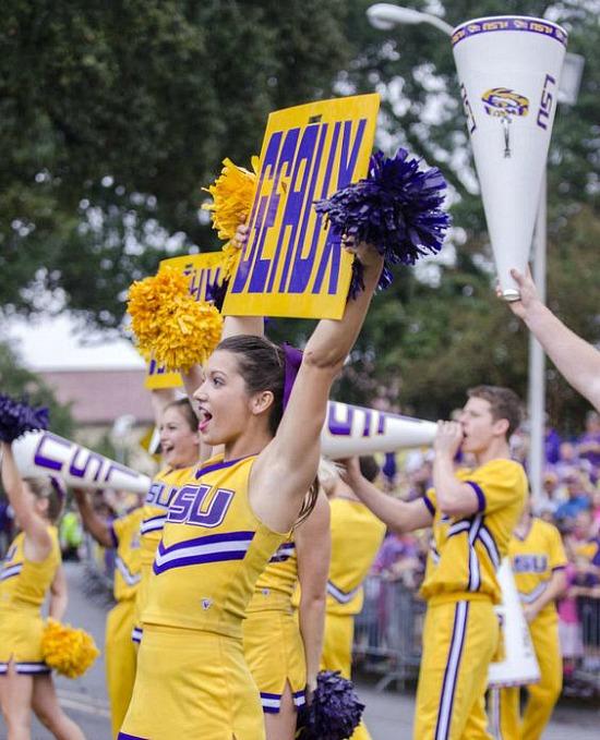 LSU-cheerleaders-geaux-tigers