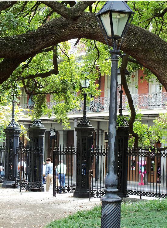 ornamental-fence-Jackson-square-New-Orleans