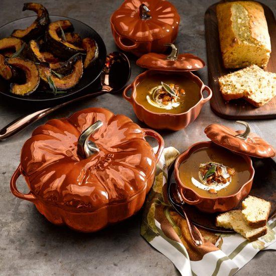 staub-pumpkin-cocotte